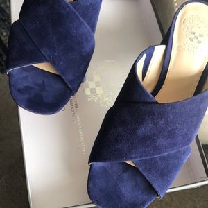 Vince CAMUTO new suede navy sandal size 8M